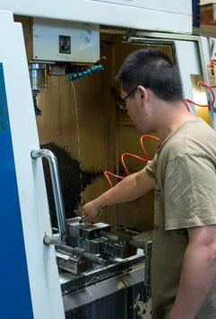 Dellcom aerospace engineer